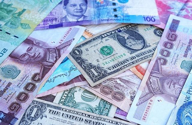 เงินบาทอ่อน หุ้นไทยร่วง
